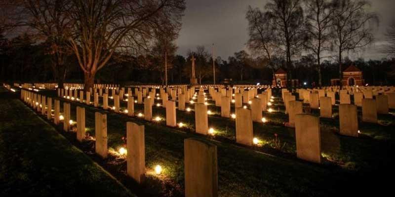 war-cemetery-christmas-deathcareindustry